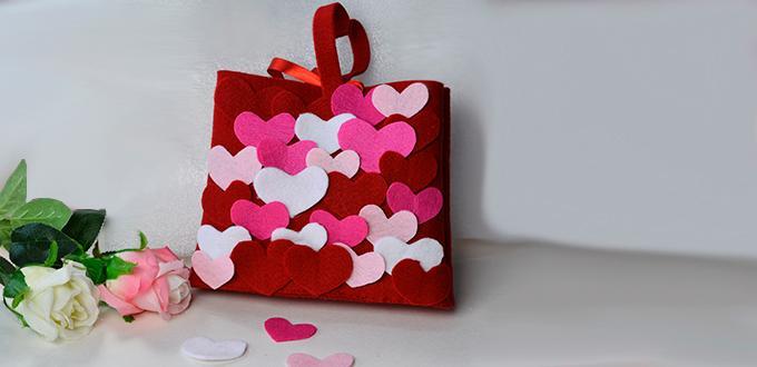 DIY Mother's Day Gift -Making Mini Felt Heart Handbag at Home