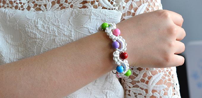 Video Tutorial on How to Make an Easy Nylon Thread Braided Friendship Bracelet