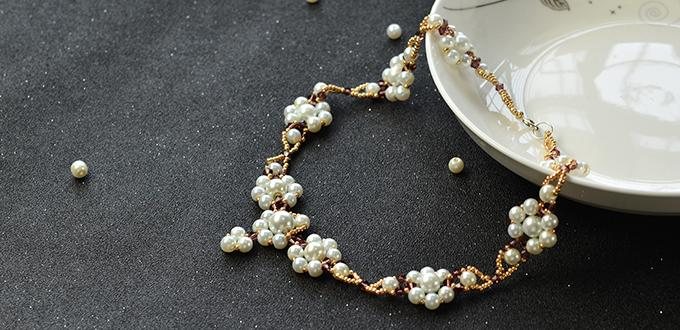 Pearls Design - How to Make a Pearl Beaded Flower Necklace with Seed Beads