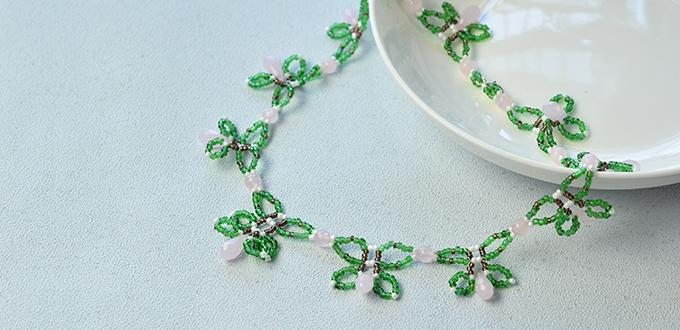 Instructions on How to Make a Green Beaded Flower Necklace