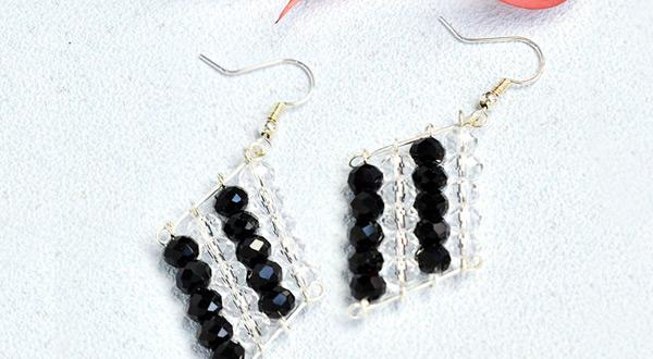 Beebeecraft black and white glass crystal bead weaving earring Patterns