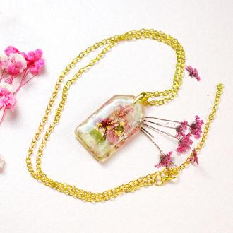 PandaHall Idea On Dried Flower Necklace Made Of Resin