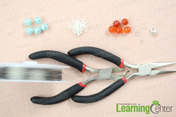 Materials on making bead weaving necklace patterns
