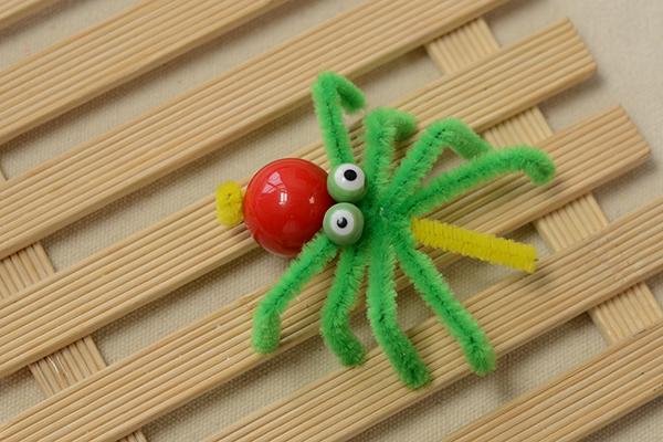final look of the green Halloween spider