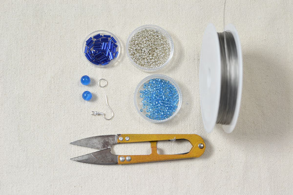 materials needed in DIY the shine blue S-shaped earrings