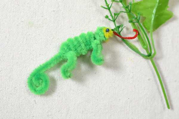 The final look of the small lizard toy: