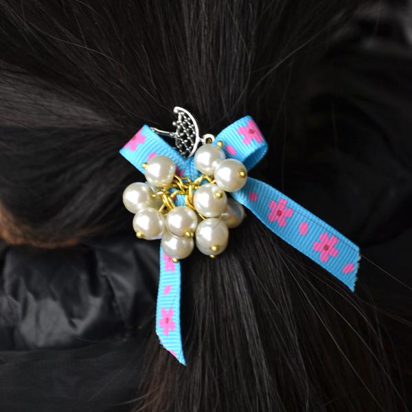 the final look of the DIY bow elastic hair ties