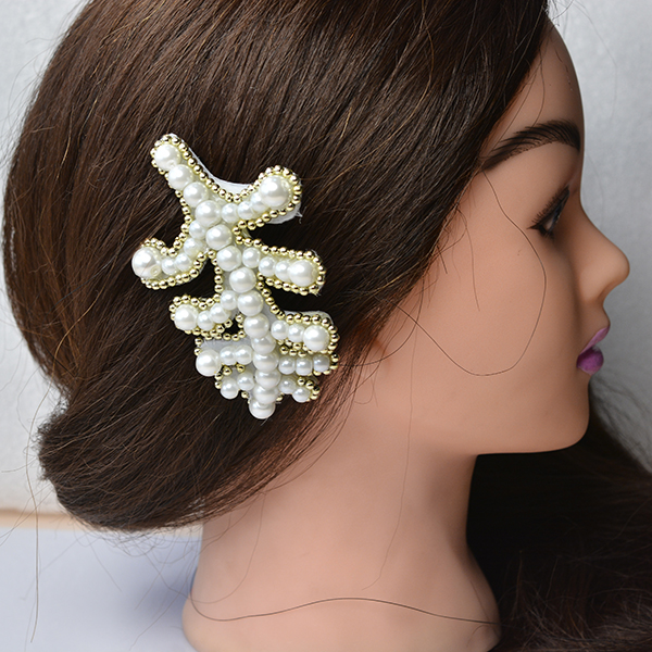 Tada! The elegant pearl embroidery leaf hair comb is finished!