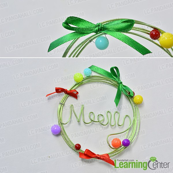 make the main part of the green wire Christmas wreath