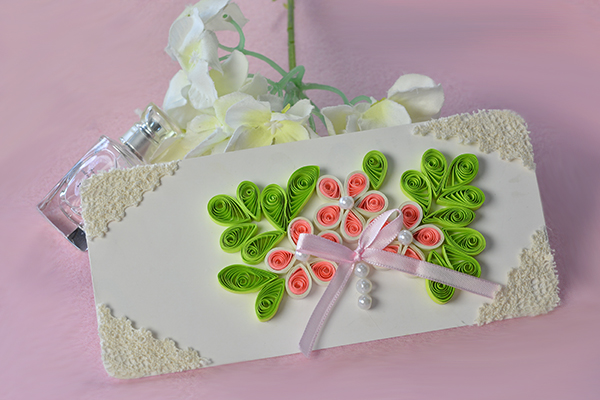 TADA! A beautiful quilling paper flower gift card is finished!