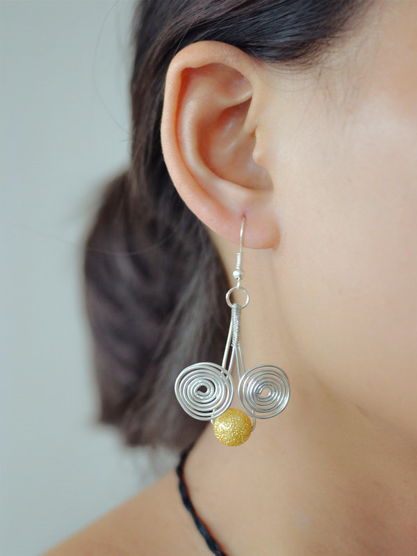 final look of the easy wire wrapped earrings