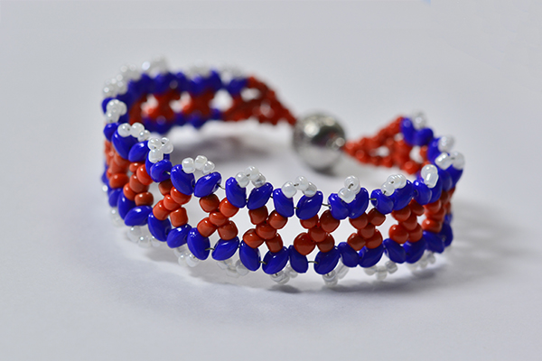 I just can't wait to show you the final piece of the woven seed bead bracelet!