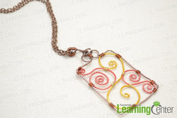 The finished wire wrapped pendant necklace is like this: