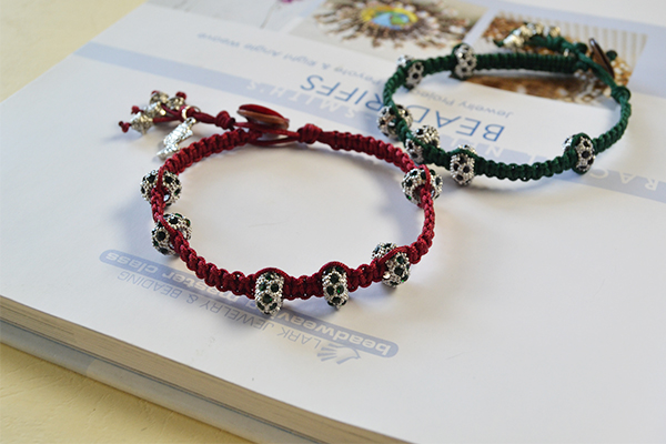 final look of the square knot bracelets for lovers