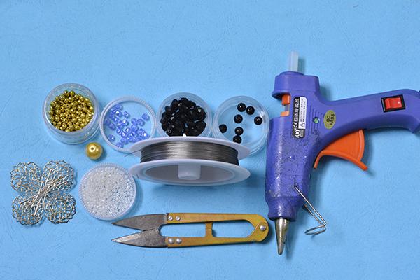 supplies needed in DIY the blue rhombus beaded flower brooch
