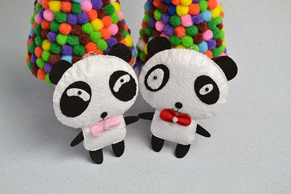 final look of the white and black felt panda hanging ornaments