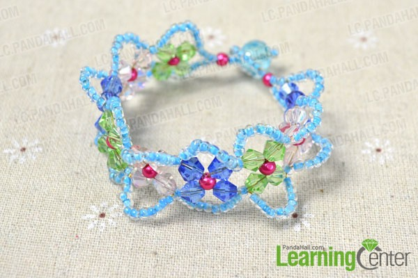the well done beaded flower bracelet