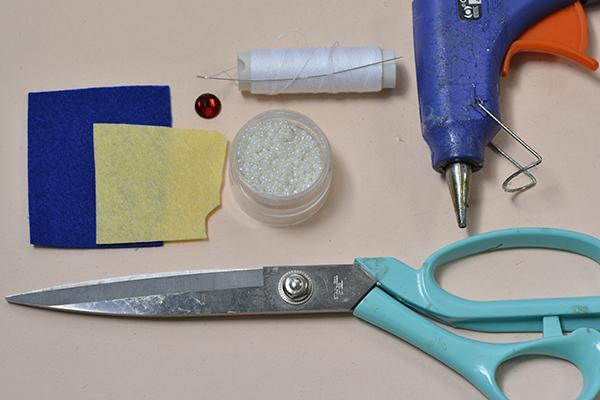 materials needed in DIY the blue Halloween bat holder