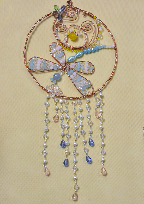 final look of the beaded dragonfly hanging ornament