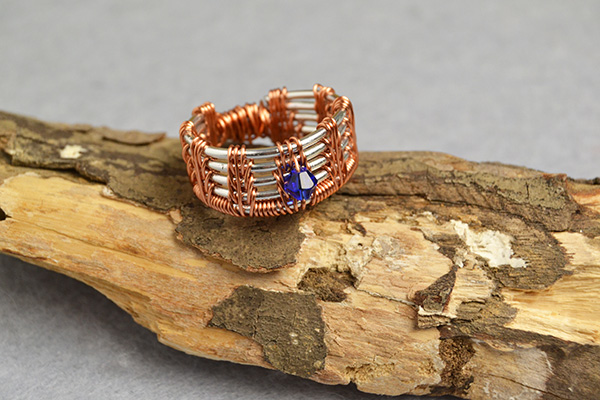 final look of this simple wire ring: