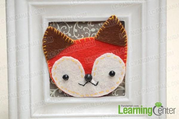The final felt fox brooch looks like this: