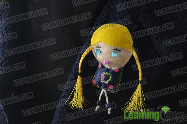 Finally the DIY felt doll looks like this: