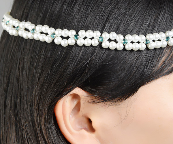 The gorgeous pearl wedding hair accessories