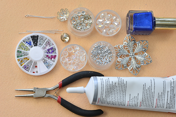 Supplies in making the charming glass and rhinestone flower brooch for women: