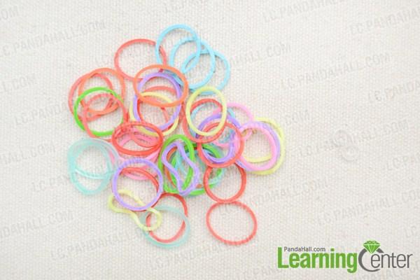 Materials in fishtail loom bracelet tutorial