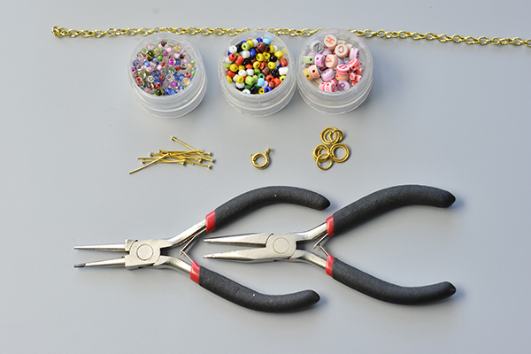 supplies needed in DIY the chain and alphabet letter beads bracelet