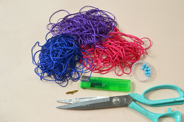 supplies needed in DIY the blue and red thread friendship bracelet