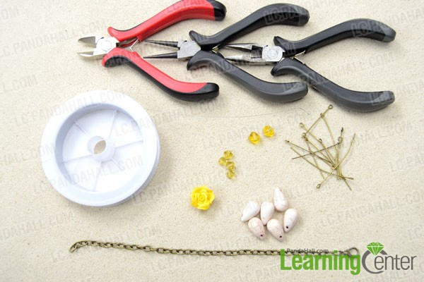 Supplies needed for making the floral chain link bracelet