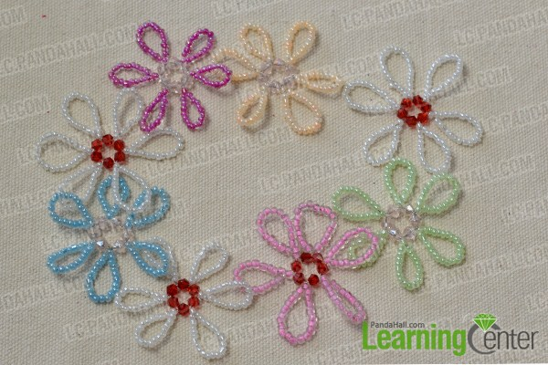 make seed bead flowers and combine them together2