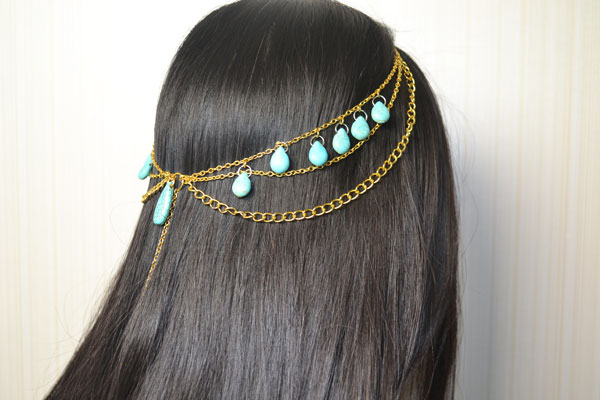 final look of the turquoise chain headpiece