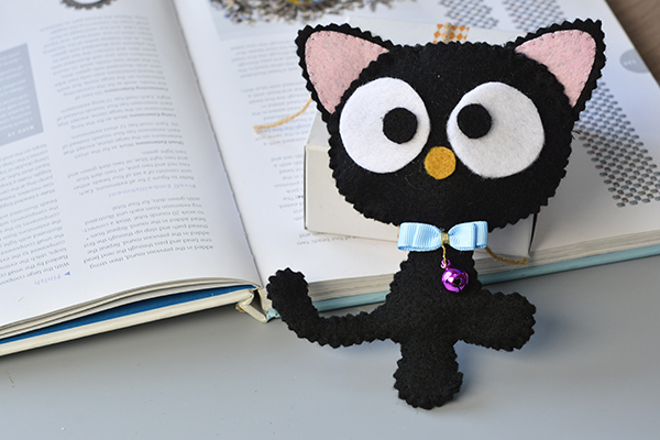 See the final cute felt cat: