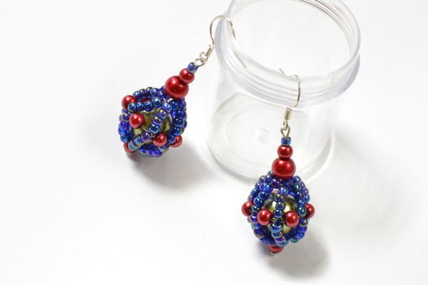 Time for the final look of this pair of purple seed bead ball drop earrings!!