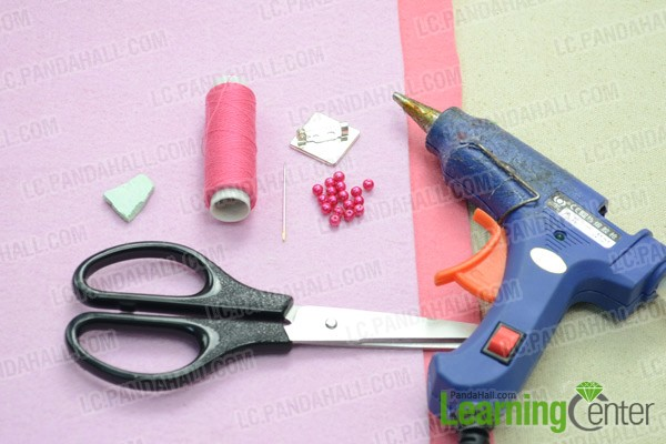 Necessities for handmade felt heart brooch: