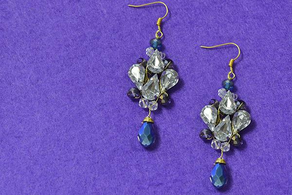 final look of the acrylic bead drop earrings