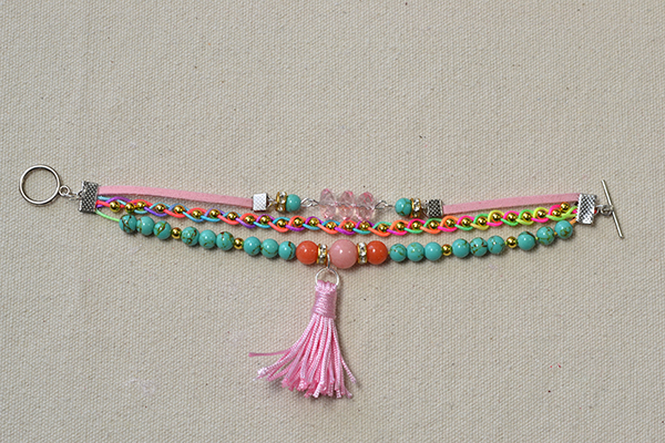 The final look of the colorful 3 strand beaded string bracelet: