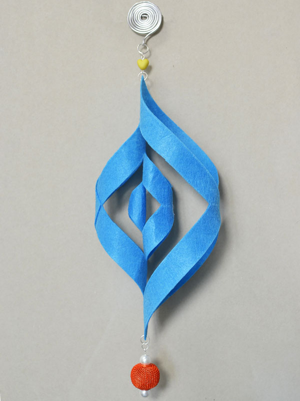 final look of the blue felt Christmas hanging ornament