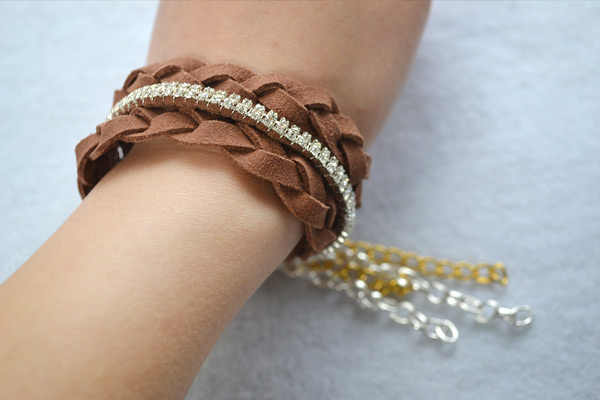 How to Make Cool Braided Chain Bracelet Tutorial finish