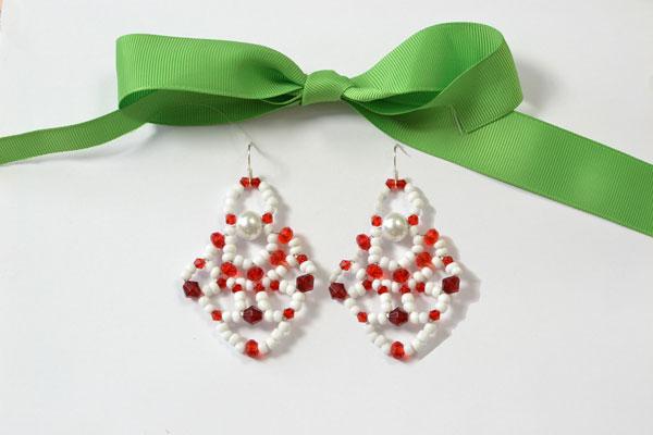 final look of the Christmas Santa Clause earrings