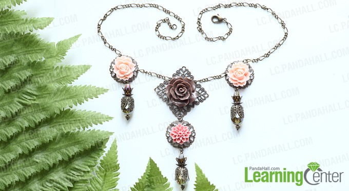 Finishing flower pendant necklace