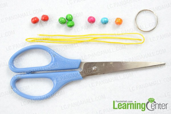 Materials on how to make macrame keychain