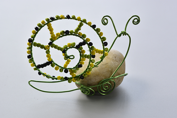 Here is the final look of the aluminum wire wrapped snail for kids: