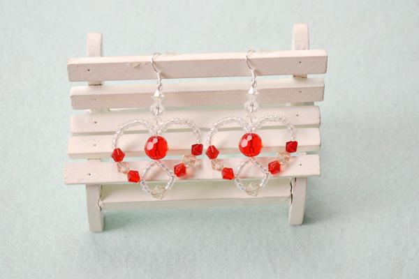 the final look of beaded heart earrings