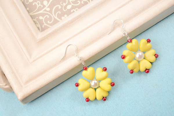 The final look of spring yellow flower earrings: