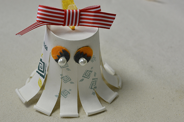 final look of the paper cup octopus craft