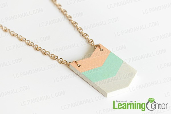 attaching pendant to necklace with jump rings