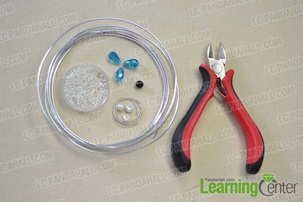 materials needed in DIY the marine style beaded fish